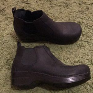 Dansko chelsea boots black